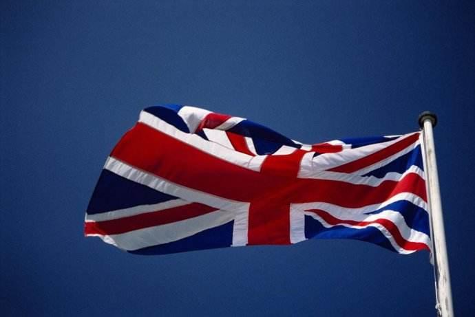 注册英国公司年审与年报有什么区别?
